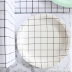 Piatti di carta piccoli disegnati a quadretti - 12 ud. - 12 ud.
