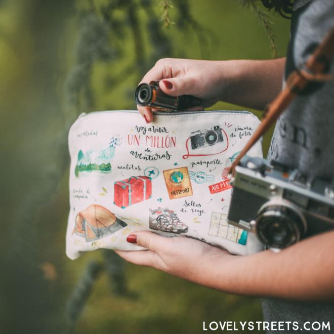 Lovely Streets wristlet - Voy a vivir un millón de aventuras