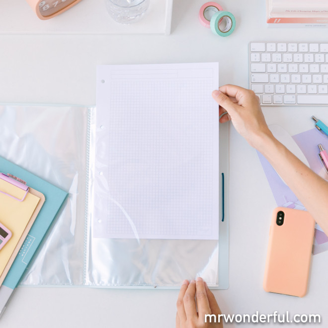 Folder with transparent pages – Nothing can stop you!