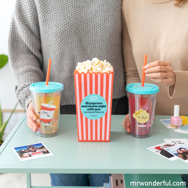 Conjunto de balde de pipocas + copos - A popcorn and movie...