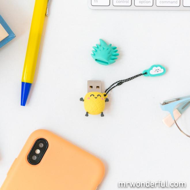 32 GB USB stick – Pineapple
