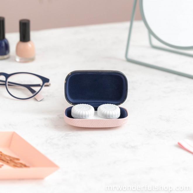 Mini hard-shell case - Cool little stuff (ENG)