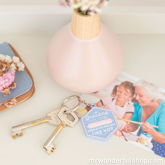Keyring- Grandma, you are amazing, there is no-one else like you (ENG)