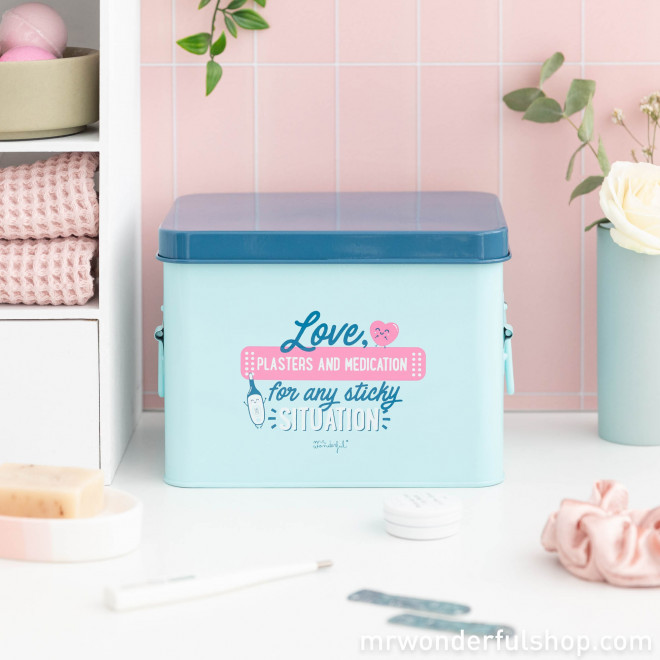 Trousse à pharmacie - Love, plasters and medication for any situation