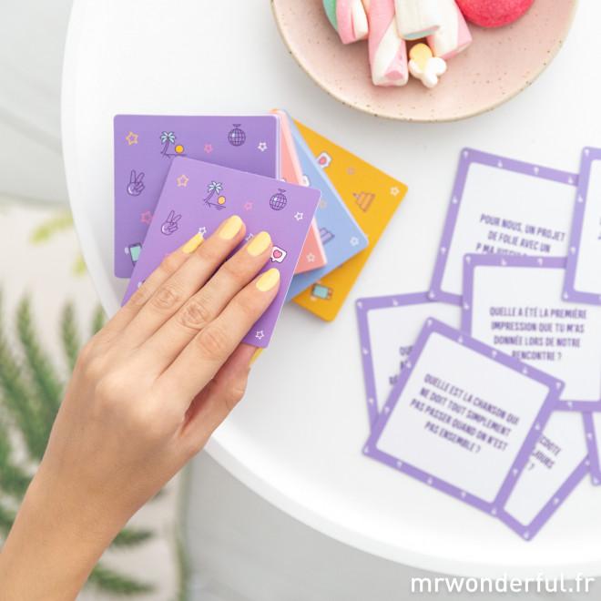 Jeu de cartes - Pas de secrets entre amies !