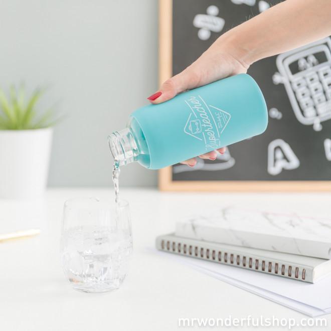 bouteille en verre bleue