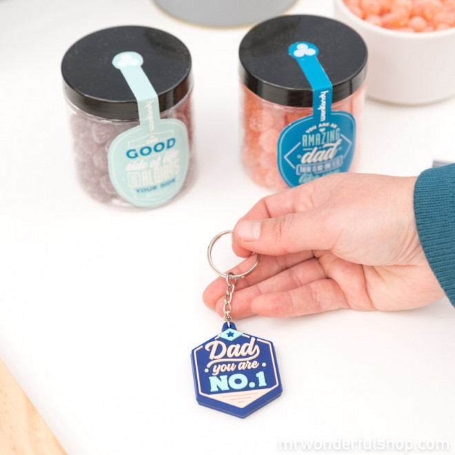 Key-ring and sweets set for dads