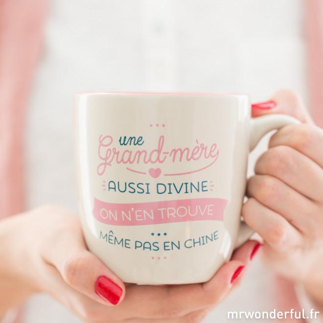 Tasse - Une grand-mère aussi divine on n'en trouve même pas en Chine (FR)
