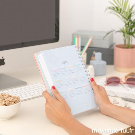 Agenda annuel 2018 Journalier - Des milliers de rêves, de projets et d'histoires à vivre (FR)