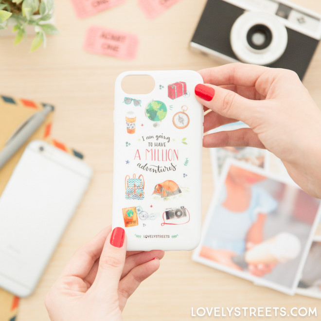 Capa Lovely Streets para iPhone 7 - A million adventures (ENG)