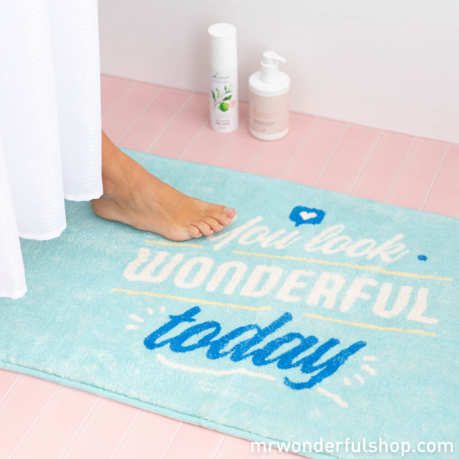 A bathmat that thinks you're fabulous