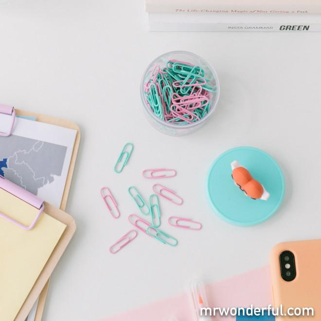 Caixa com clipes de papel - Coração