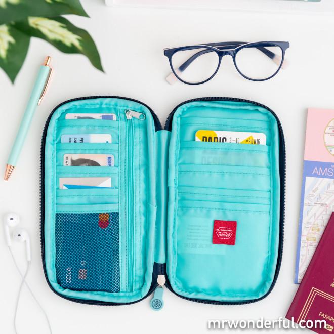 Carteira organizadora de viagem - It's travel time!