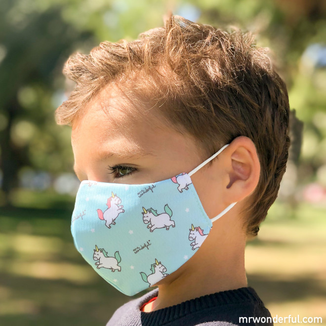 Pack de 2 máscaras de tecido Crianças - Unicórnios e corações