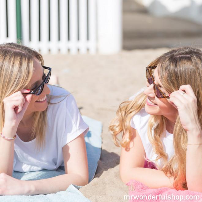 Óculos de sol - Divine Carey