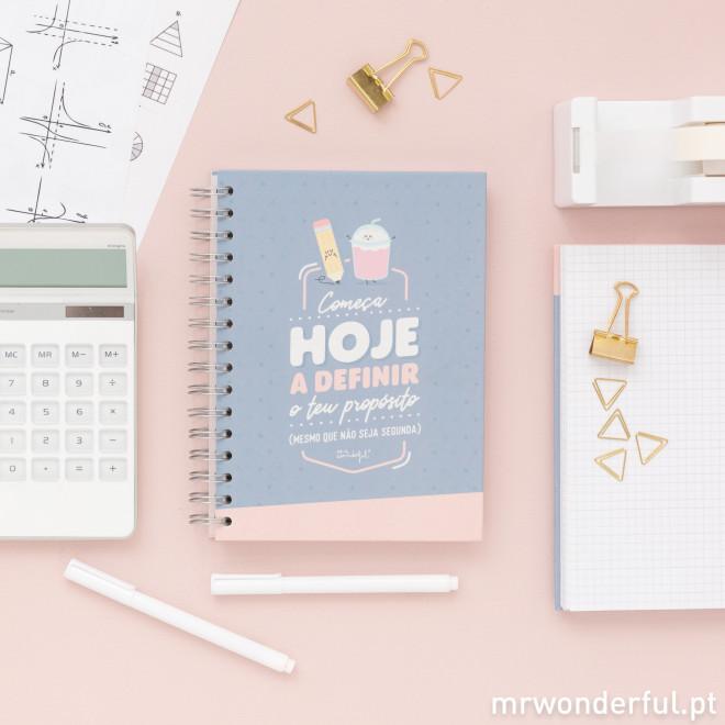 Caderno pequeno - Começa hoje a definir o teu propósito (mesmo que não seja segunda) (PT)
