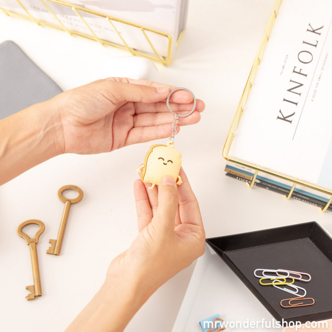 Toast key-ring for crunchy people