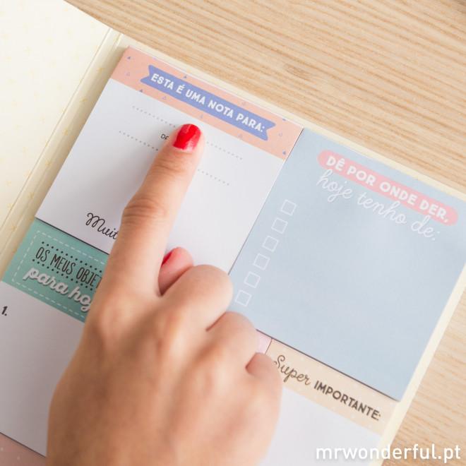 Caderno com notas adesivas – A vida é um prazer quando não deixas nada por fazer (PT)