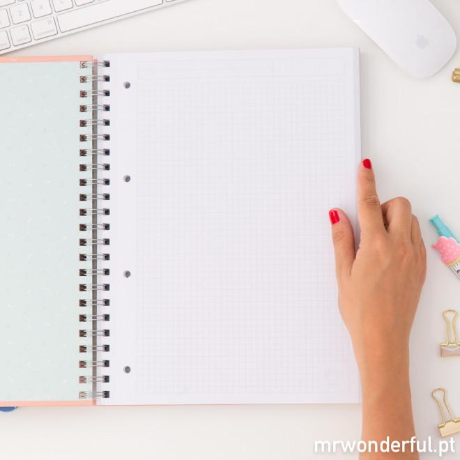Caderno grande - Este dia suscita-me novas ideias (PT)