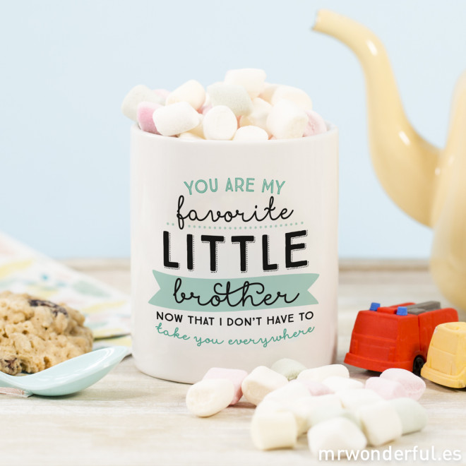 "Caneca ""You are my favorite little brother"" (ENG)"