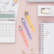 Conjunto de canetas com formas