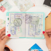 Capa para passaporte - Voy a vivir un millón de aventuras