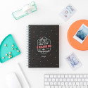 Set de material de escrita e muita motivação