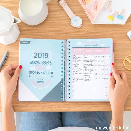 Agenda clássica 2018-2019 Vista diária - Dias com um milhão de horas (PT)